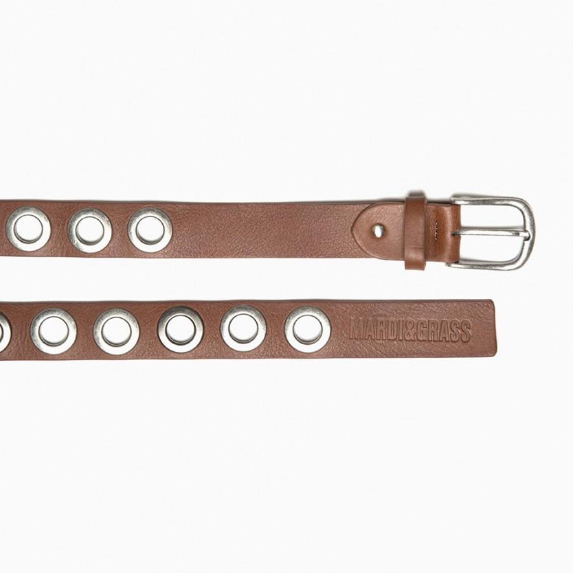 cinturón ollados marrón